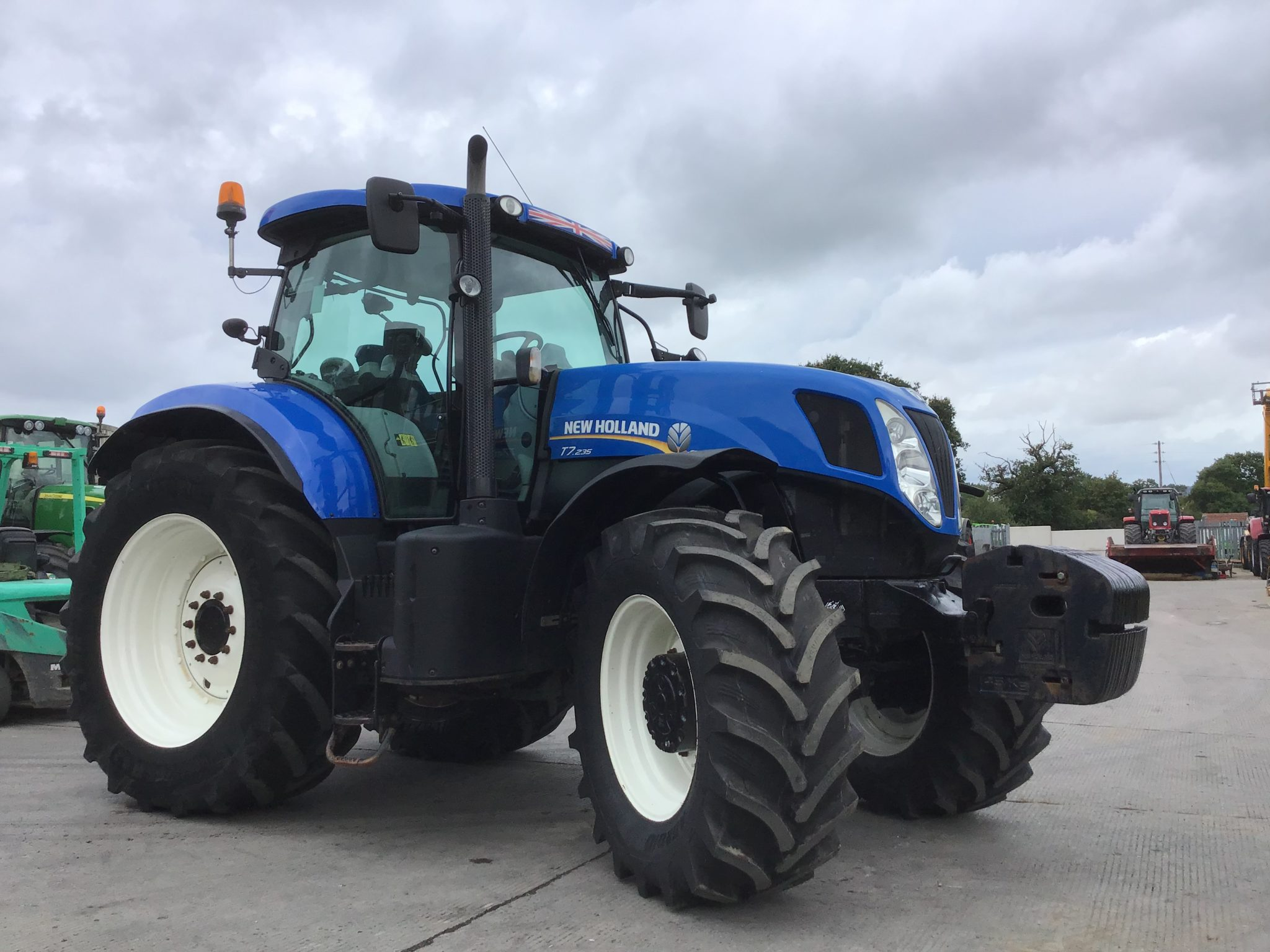 New Holland T7 235 Tractor (ST3955)