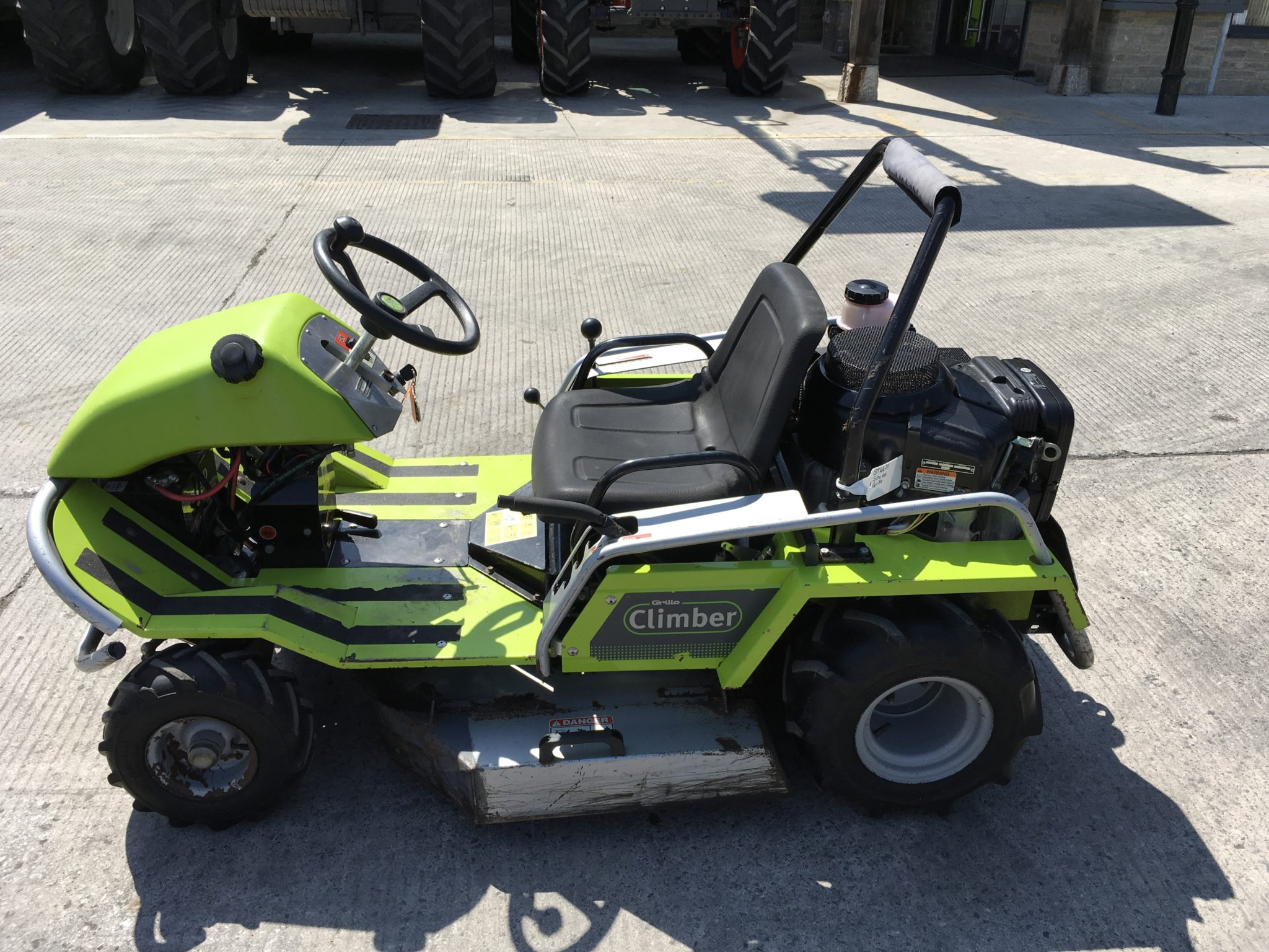 Grillo Climber 9 21 Bank Mower (ST4422)